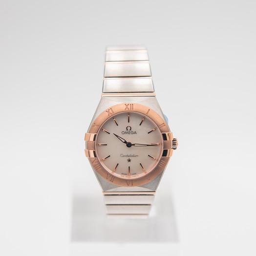 Omega Constellation Manhattan Quartz 28mm Quartz White Mother Of Pearl Dial Gold Ladies Watch
