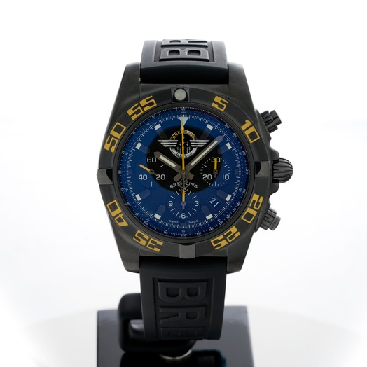 Breitling Chronomat MB01109P/BD48